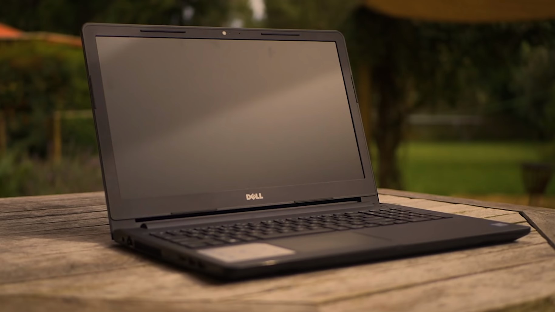 sreen of the dell inspiron 15 3000